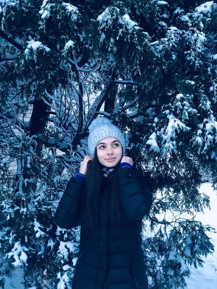 Laura Bretan in the snow november 2018