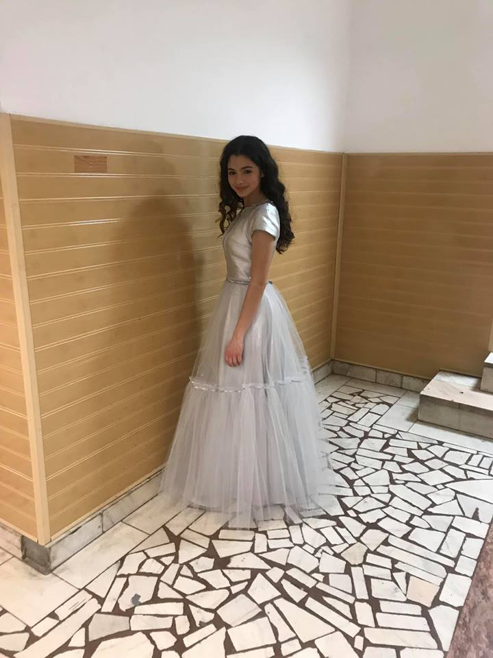 She looks like a Princess..... Laura Bretan just before the Eurovision Songtest